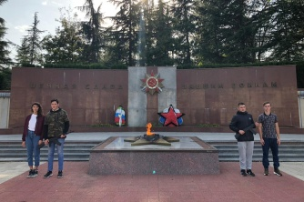 Несение Почётной Вахты памяти на Посту №1