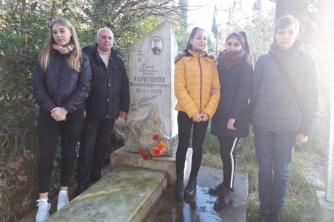 Посещение и уборка могилы Героя Советского Союза Б.Д.Харитонова