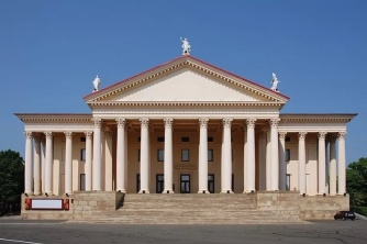 Концертная экскурсия «Зимний театр-пямятник истории и архитектуры XXв.»